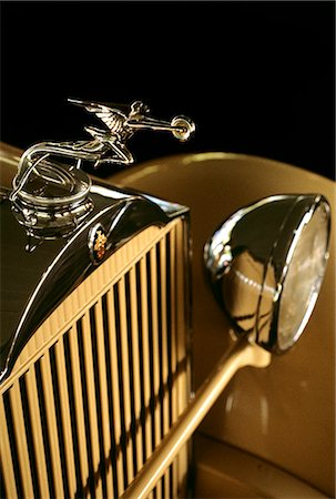 PACKARD AUTOMOBILE DETAIL OF FRONT GRILL AND HOOD ORNAMENT Stock Photo - Rights-Managed, Code: 846-06111746