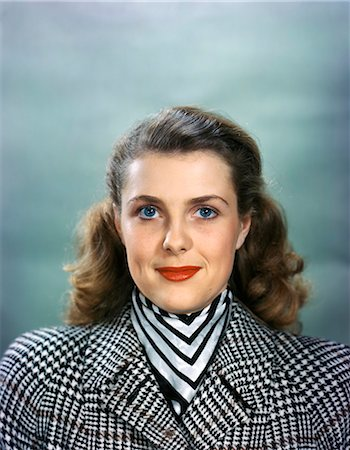 1940s 1950s PORTRAIT SMILING WOMAN WEARING HOUNDS TOOTH TWEED COAT STRIPED SCARF LOOKING AT CAMERA Stock Photo - Rights-Managed, Code: 846-07200135