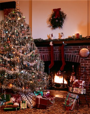 CHRISTMAS FIREPLACE Stock Photo - Rights-Managed, Code: 846-02795336