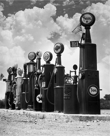 1920s 1930s LINE OF GASOLINE PUMPS Stock Photo - Rights-Managed, Code: 846-02795659