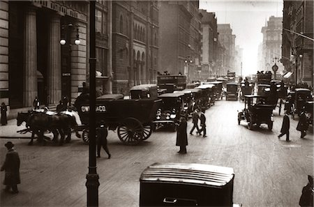 1890s 1900s TURN OF CENTURY NEW YORK CITY STREET SCENE PEDESTRIANS HORSE & WAGONS AUTOMOBILES CARS TRAFFIC MANHATTAN Stock Photo - Rights-Managed, Code: 846-02795876