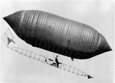 1900s 1910s LINCOLN BEACHEY AIRSHIP CROSS BETWEEN HOT AIR BALLOON AND BLIMP Stock Photo - Rights-Managed, Code: 846-02795878