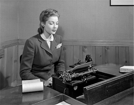 secretary desk - 1940s WOMAN BUSINESS DESK TYPEWRITER Stock Photo - Rights-Managed, Code: 846-02795954
