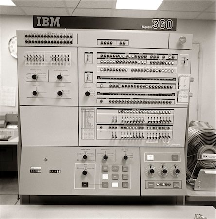 1960s 1970s CONTROL PANEL IBM SYSTEM 360 COMPUTER Stock Photo - Rights-Managed, Code: 846-02796002