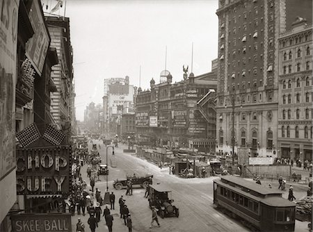 restaurant new york manhattan - 1930's OVERHEAD SIXTH AVENUE, HIPPODROME THEATRE CAR and PEDESTRIAN TRAFFIC WORKERS DIGGING SUBWAY TIMES SQUARE CAR & PEDESTRIAN TRAFFIC WORKERS DIGGING SUBWAY Stock Photo - Rights-Managed, Code: 846-02796373