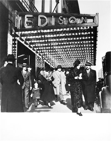 1930s PEDESTRIANS IN FRONT OF HOTEL EDISON MARQUEE NEW YORK CITY THEATER DISTRICT MANHATTAN WEST 47TH STREET Stock Photo - Rights-Managed, Code: 846-02796517