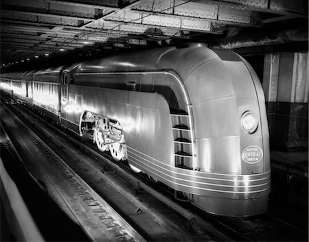 steam engine - 1930s ANGLED VIEW OF NEW YORK CENTRAL STREAMLINED PASSENGER TRAIN Stock Photo - Rights-Managed, Code: 846-02796706