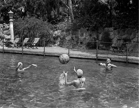 1940s PLAYING VOLLEY WITH A BEACH BALL IN SWIMMING POOL Stock Photo - Rights-Managed, Code: 846-02796853