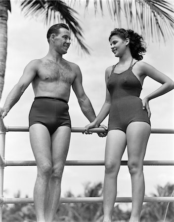 1940s COUPLE IN BATHING SUITS STANDING TALKING Stock Photo - Rights-Managed, Code: 846-02797043