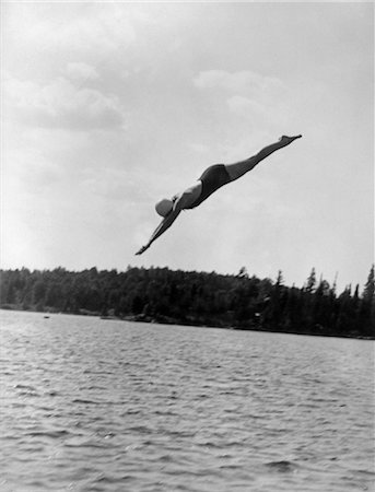 1930s WOMAN DIVING INTO LAKE Stock Photo - Rights-Managed, Code: 846-02797139