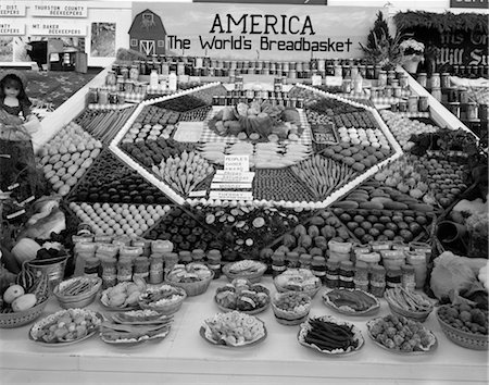 1970s SPREAD OF PRODUCE & OTHER FOOD ITEMS TO BE JUDGED AT STATE FAIR Stock Photo - Rights-Managed, Code: 846-02792793