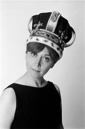 1970s PORTRAIT WOMAN WEARING QUEEN'S CROWN Stock Photo - Rights-Managed, Code: 846-02793121