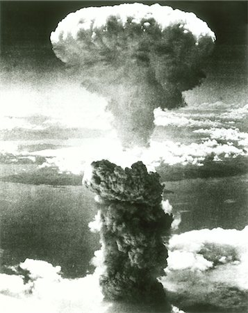 1950s ATOMIC BOMB EXPLOSION MUSHROOM CLOUD Stock Photo - Rights-Managed, Code: 846-02793146