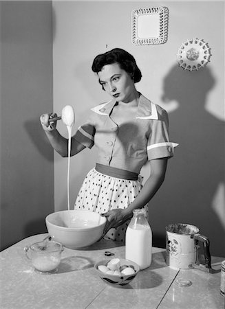 simsearch:846-02793283,k - 1960s HOUSEWIFE MIXING STICKY BATTER IN KITCHEN Stock Photo - Rights-Managed, Code: 846-02793189