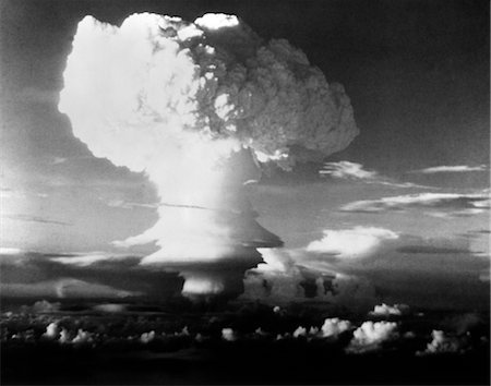 MUSHROOM CLOUD FROM ATOMIC BOMB SET OFF IN SOUTH PACIFIC DURING OPERATION IVY Stock Photo - Rights-Managed, Code: 846-02793277