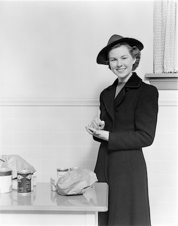 photos of 1940s women in kitchen - WOMAN KITCHEN GROCERY LIST FOOD SHOPPING 1940s Stock Photo - Rights-Managed, Code: 846-02793329