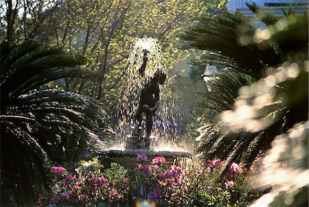 south - FOUNTAIN IN GARDEN CHARLESTON, SOUTH CAROLINA Stock Photo - Rights-Managed, Code: 846-03164422