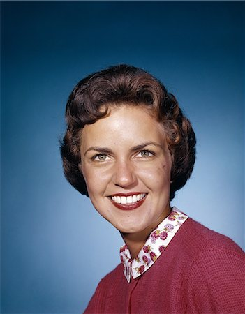 1960s SMILING WOMAN LOOKING DIRECTLY AHEAD STUDIO Stock Photo - Rights-Managed, Code: 846-03164514
