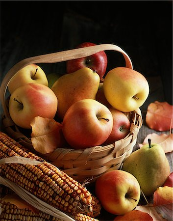 seasonal - AUTUMN HARVEST STILL LIFE APPLES PEARS IN SPLIT OAK BASKET ARRANGED WITH INDIAN CORN Stock Photo - Rights-Managed, Code: 846-03164569