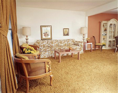 1970s ORANGE AND YELLOW LIVING ROOM INTERIOR Stock Photo - Rights-Managed, Code: 846-03164725