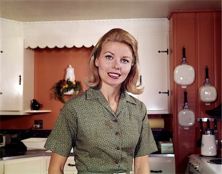 1960s PORTRAIT YOUNG BLOND WOMAN IN KITCHEN SMILING Stock Photo - Rights-Managed, Code: 846-03165237