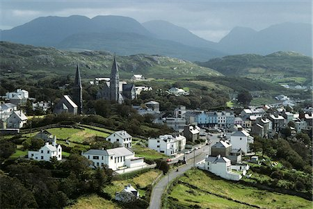 OVERVIEW OF THE TOWN OF CLIFDEN COUNTY GALWAY, IRELAND Stock Photo - Rights-Managed, Code: 846-03165746