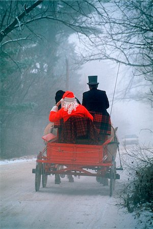 1990s 1994 SANTA IN HORSE-DRAWN WAGON DIRT ROAD REAR VIEW Stock Photo - Rights-Managed, Code: 846-03163149