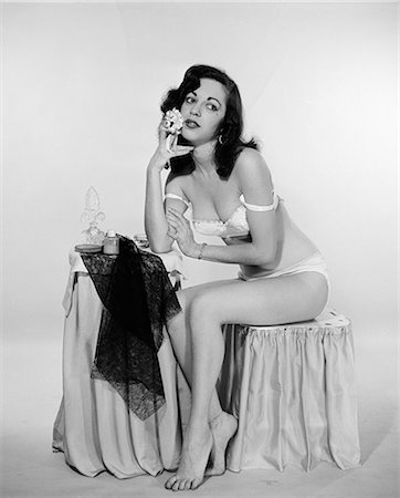 1940s WOMAN BRA PANTIES UNDERWEAR LINGERIE Stock Photo - Rights-Managed, Code: 846-03163297