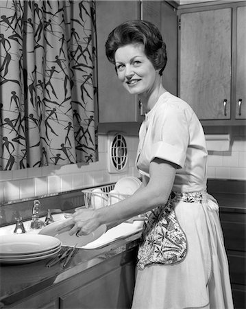 1960s WOMAN WASHING DISHES HOUSEWIFE HOUSEWORK Stock Photo - Rights-Managed, Code: 846-03163347