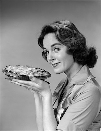 1950s WOMAN PIE BAKE HOUSE Stock Photo - Rights-Managed, Code: 846-03163355