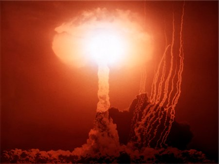 1970s ATOM BOMB MUSHROOM CLOUD EXPLOSION Stock Photo - Rights-Managed, Code: 846-03163633
