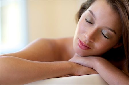 Beautiful brunette relaxing in the bath Stock Photo - Rights-Managed, Code: 847-04930018