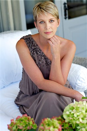 Portrait of elegant, mature woman in evening dress Stock Photo - Rights-Managed, Code: 847-05606984