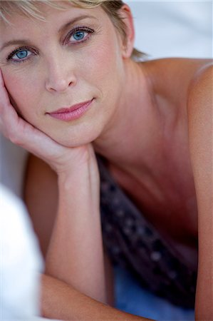 Close up beauty shot of mature woman Stock Photo - Rights-Managed, Code: 847-05606993