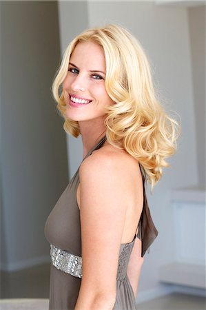 Portrait of a beautiful blonde woman Stock Photo - Rights-Managed, Code: 847-05818355