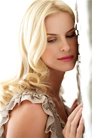 Portrait of a beautiful blonde woman Stock Photo - Rights-Managed, Code: 847-05818384