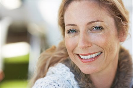 Beautiful mature woman Stock Photo - Rights-Managed, Code: 847-06540721