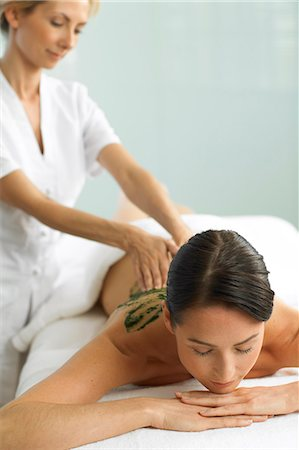 Woman having a seaweed massage Stock Photo - Rights-Managed, Code: 847-02782389