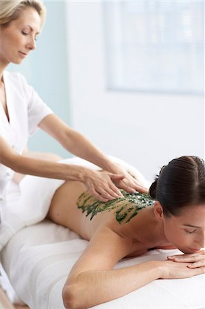 Woman having a seaweed massage Stock Photo - Rights-Managed, Code: 847-02782390