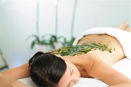 Woman resting with seaweed treatment on back Stock Photo - Rights-Managed, Code: 847-02782402