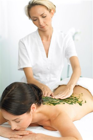 Woman having a seaweed massage Stock Photo - Rights-Managed, Code: 847-02782403