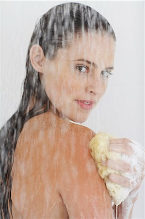Close-up of beautiful nude woman showering. Stock Photo - Rights-Managed, Code: 847-02782866