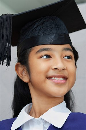 preteen  smile  one  alone - girl resting chin on folded hands Stock Photo - Rights-Managed, Code: 849-02861914