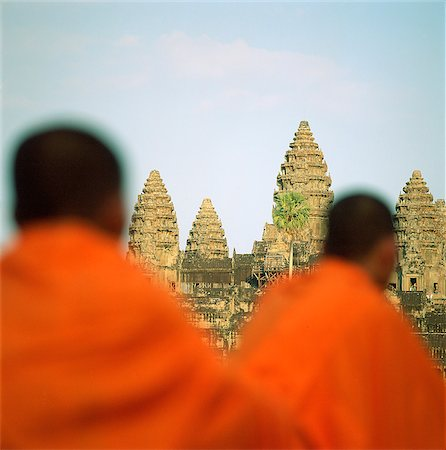 Cambodia, Sien Reap, Province, Angkor Wat, Buddhist monks in foreground Stock Photo - Rights-Managed, Code: 849-02874984