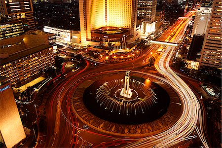Evening view of Hotel Indonesia roundabout, Welcome Monument along Jalan Thamrin, Jakarta Stock Photo - Rights-Managed, Code: 849-03645778