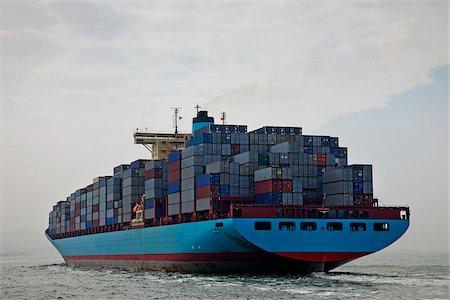 ships at sea - Container Ship, Hong Kong, China Stock Photo - Rights-Managed, Code: 849-03901153