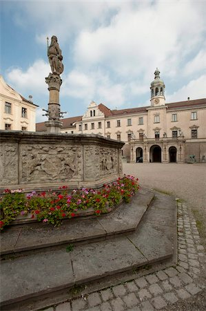 Palace of St. Emmeram, Castle of Thurn and Taxis, Regensburg, UNESCO World Heritage Site, Bavaria, Germany, Europe Stock Photo - Rights-Managed, Code: 841-05784198