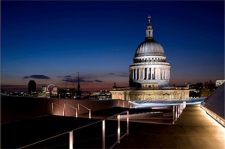 A view of the London skyline and St. Paul's Cathedral from the roof terrace at One New Change, London, England, United Kingdom, Europe Stock Photo - Rights-Managed, Code: 841-05781083