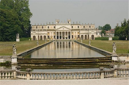 The long pond and the annexe of the 18th century Villa Pisano at Stra, Riviera du Brenta, Venice, Veneto, Italy, Europe Stock Photo - Rights-Managed, Code: 841-05783321