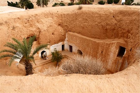 Troglodyte pit home, Berber underground dwellings, Matmata, Tunisia, North Africa, Africa Stock Photo - Rights-Managed, Code: 841-05794629